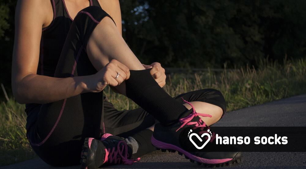 موقع ورزش کردن از جوراب ورزشی مجزا استفاده کنید