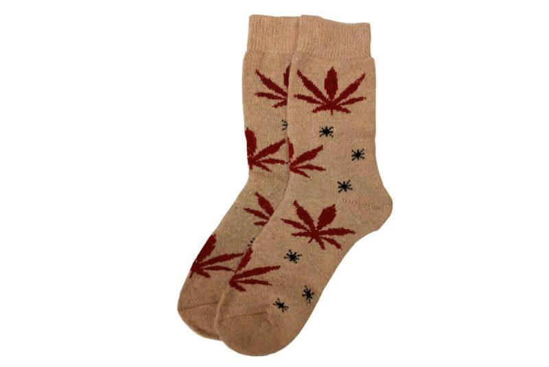 جوراب پشمی ساق دار کرم طرح ماریجوانا مدل HSB124