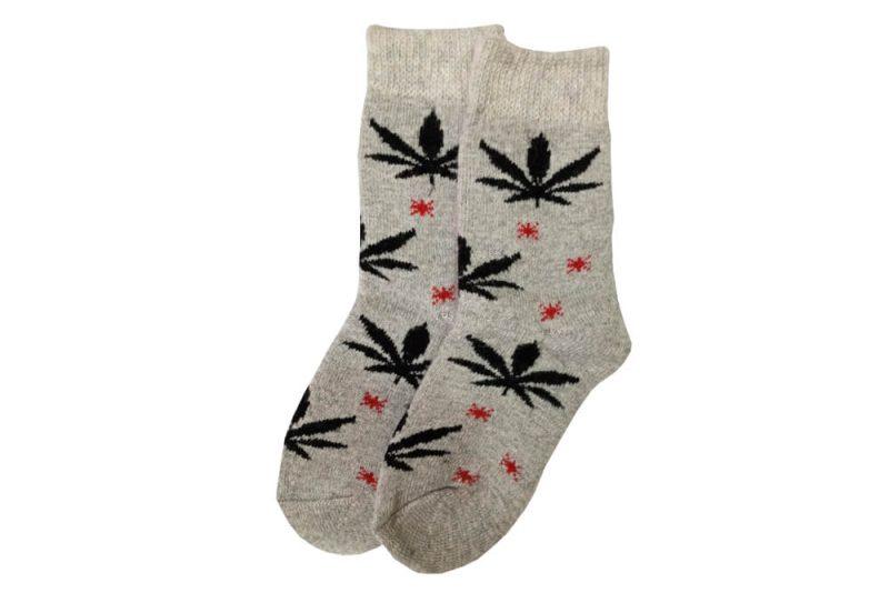 جوراب پشمی ساق دار طوسی طرح ماریجوانا مدل HSB126