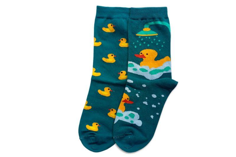 جوراب ساق دار لنگه به لنگه طرح اردک طلایی مدلHSS514